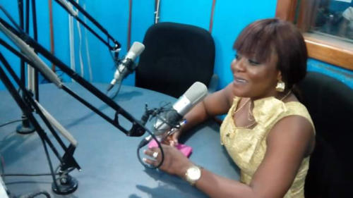 Stand-Up Comedienne, Helen Paul, thrills the listeners